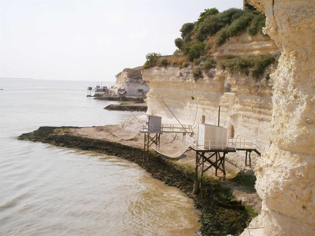 Toursme grottes de meschers tourisme en charente for Camping royan avec piscine