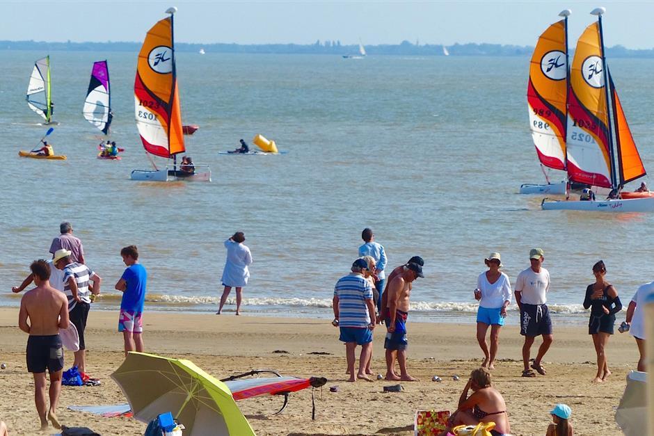 Plages et activites nautiques camping bord de mer royan - Office du tourisme de royan charente maritime ...