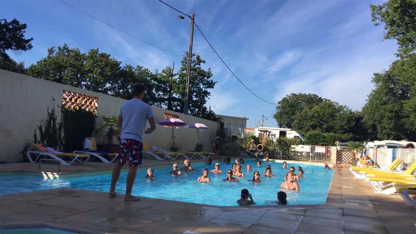 Camping 3 etoiles avec piscine loire atlantique camping for Camping au croisic avec piscine